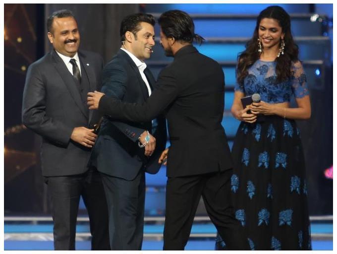 Shahrukh and Salman at Star Guild Awards