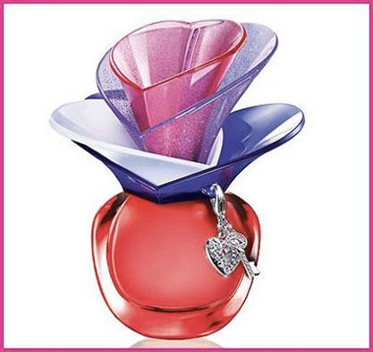happy-perfume-day