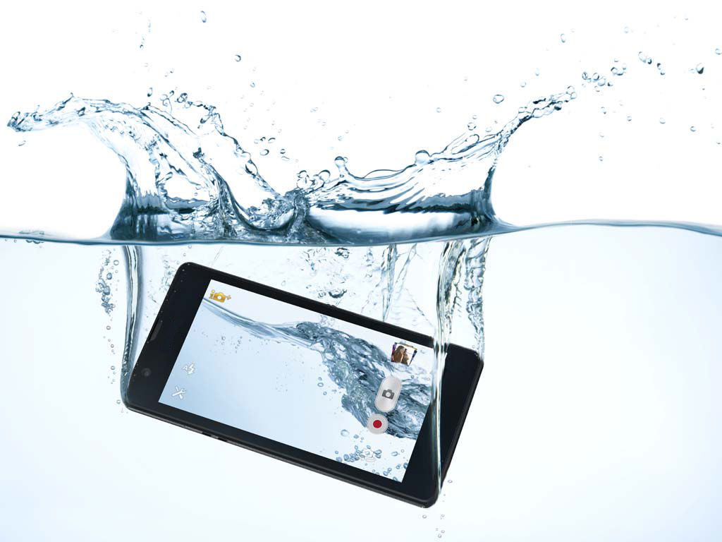 Bring Life to Wet Smart-phones