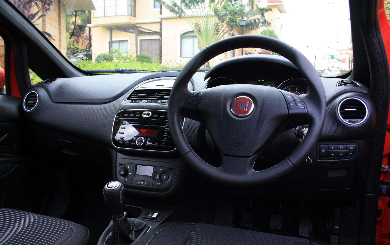 Fiat Punto Evo Review – Exclusive | SAGMart on fiat 500l, fiat coupe, fiat panda, fiat cars, fiat marea, fiat multipla, fiat ritmo, fiat cinquecento, fiat doblo, fiat 500 turbo, fiat linea, fiat barchetta, fiat seicento, fiat stilo, fiat 500 abarth, fiat spider, fiat x1/9, fiat bravo,
