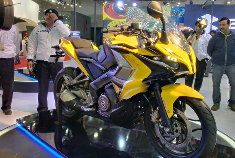 Why-You-Should-Wait-for-these-Motorbikes-to-Bang-on-Afore-Glare-Festival-Bajaj-Pulsar-200-SS