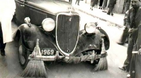 Rolls-Royce Car Cleaning the Streets