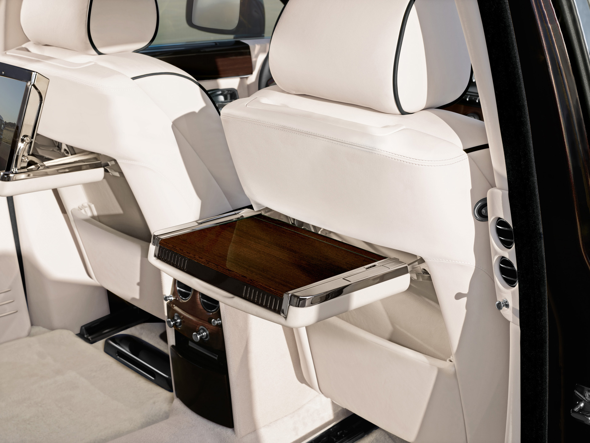 Rolls-Royce Picnic Table