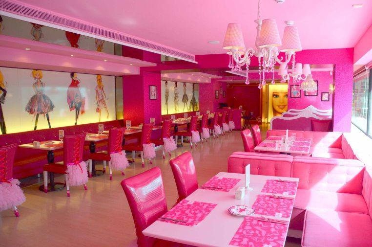 BarbieThemeCafeInterior