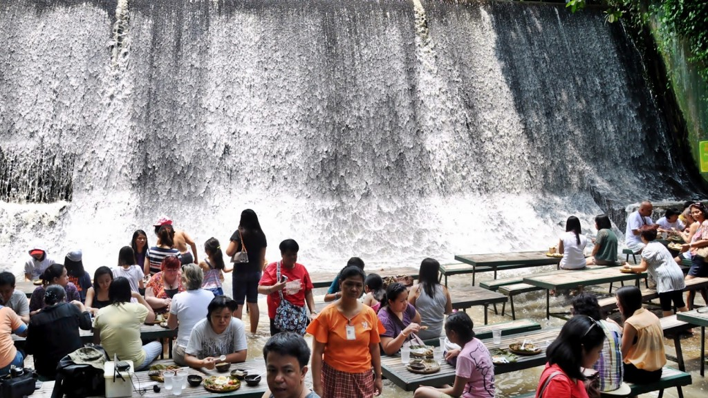 VillaEscuderoWaterfalls Restaurant Phillippines