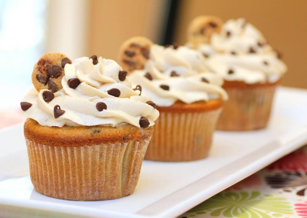 CookiesandMilkCupcake