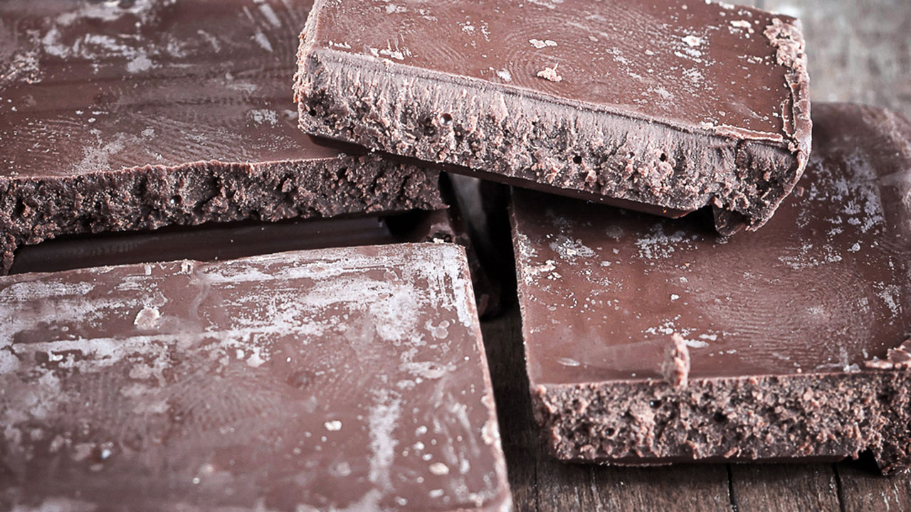 WhiteLayerOnTheChocolate