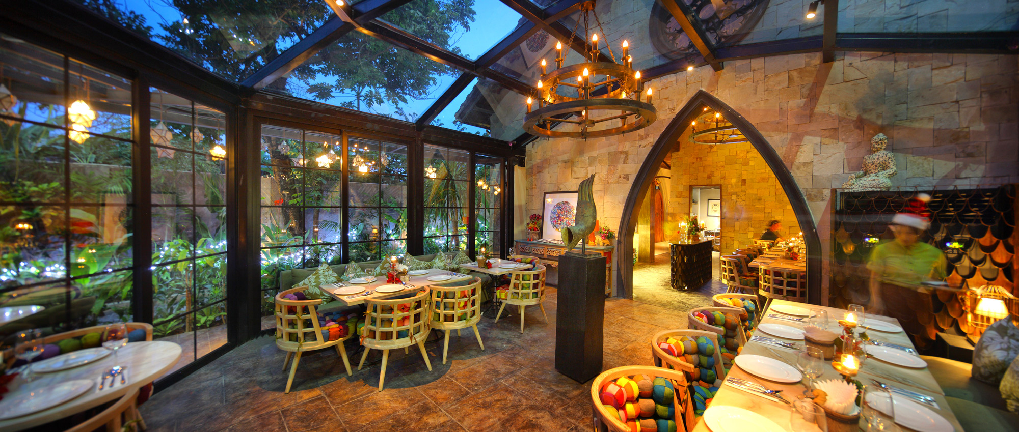 Themed Restaurants Of Bali That Let You Dine With Gorgeous