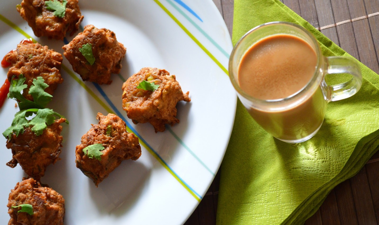 aaloo pakoda with chai