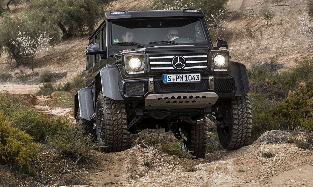 List of top 10 off roading cars in india sagmart for Mercedes benz g class off road