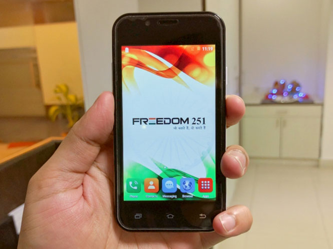 freedom 251 display