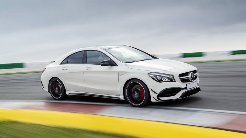 2017-mercedes-amg-cla45-coupe