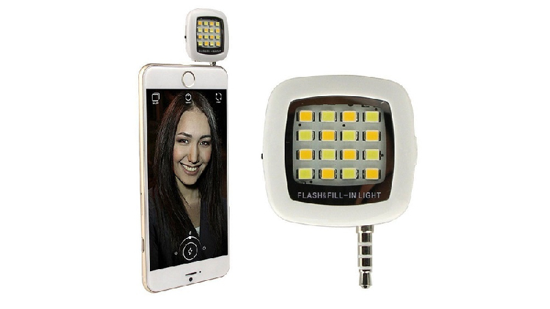 Selfie flashlight