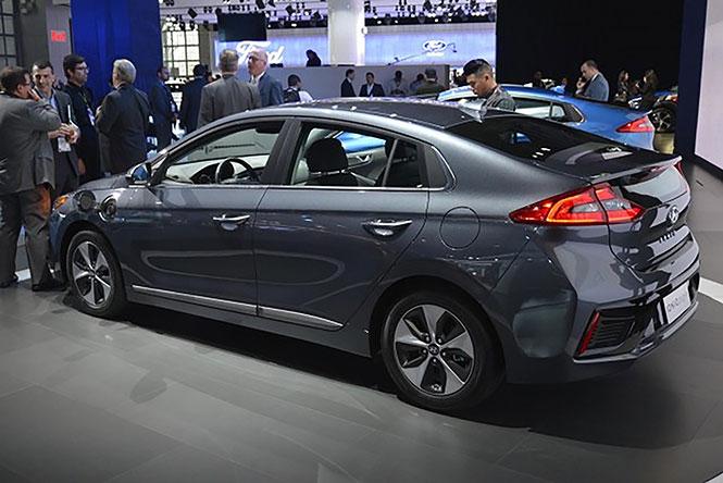 Hyundai Loniq Sedan
