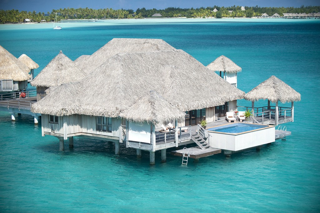 Bora bora hotel resort a perfect holiday destination for Best places to visit over christmas in the us